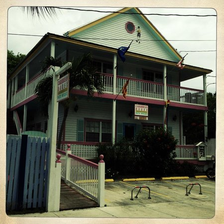 Caribbean House: view from the street