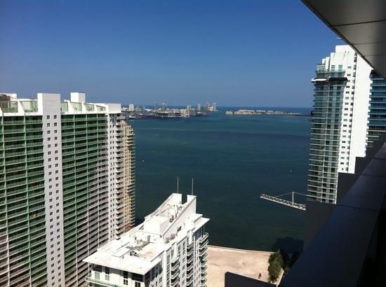 Conrad Miami: Añade un título