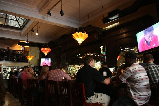 Front Street Brewery - Main Bar