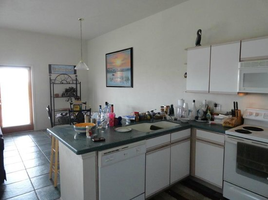 Old Fenimore Mill Condos : Kitchen and Dining 8F