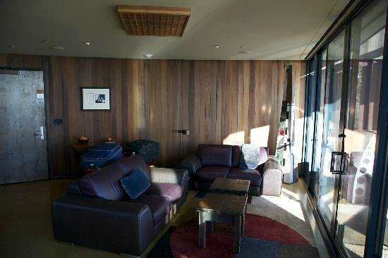 Post Ranch Inn: Living area of the suite