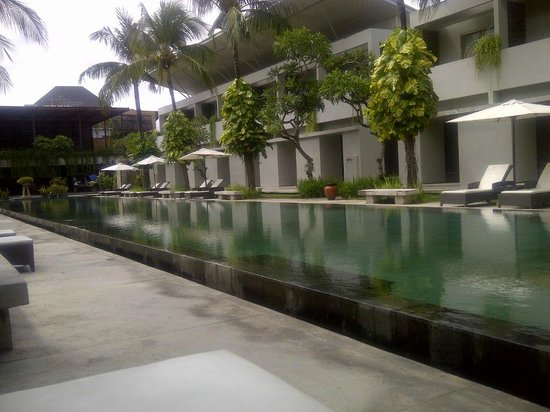 The Oasis Kuta: nice and long pool