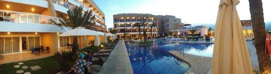 Margarita Real Boutique Hotel: Área de la Piscina