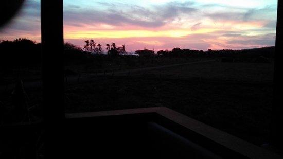 Buena Onda Beach Resort: sunset from house deck