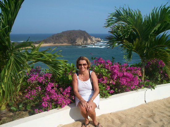 Secrets Huatulco Resort & Spa: my wife and view from pool therapy area