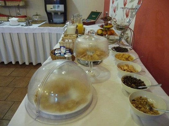 Irida Hotel: Breakfast