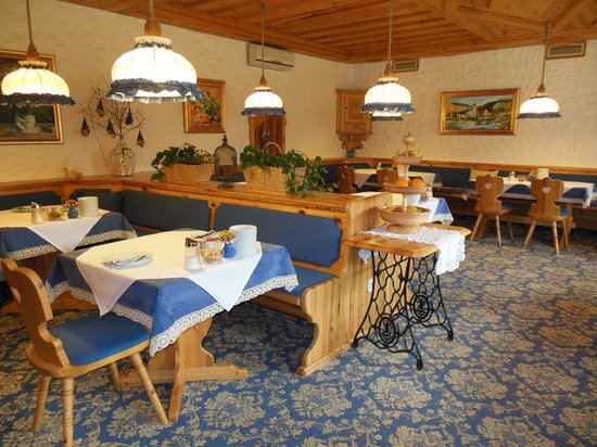 Garni Hotel Berc: Breakfast room