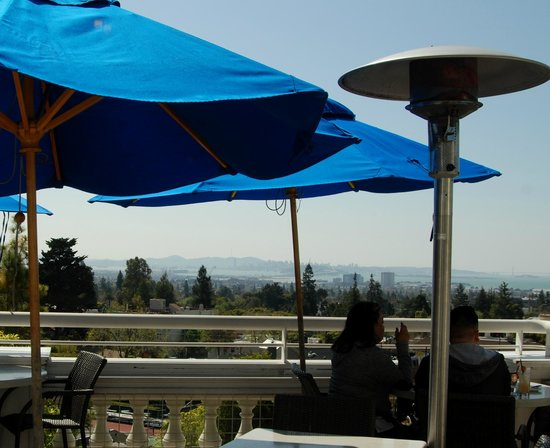 Paragon Restaurant and Bar: Outdoor deck view - San Francisco in distance