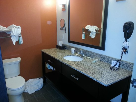 Sleep Inn And Suites Lubbock : Quality fixtures and marble counter tops
