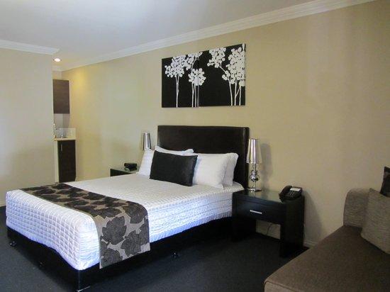 BEST WESTERN PLUS Ambassador on Ruthven Motor Inn: Tastefully furnished