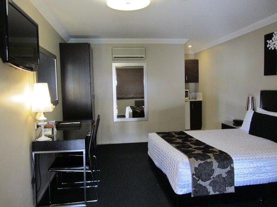 BEST WESTERN PLUS Ambassador on Ruthven Motor Inn: Beaut room