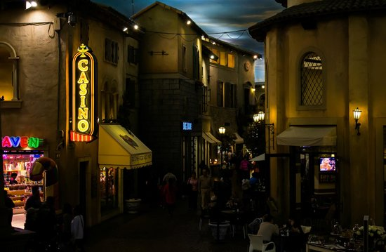 SunSquare Montecasino: Casino shops
