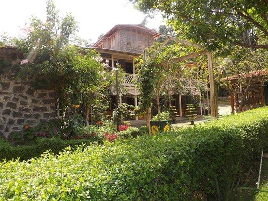 Lilly's Valley Resort: ganesh giri exterior