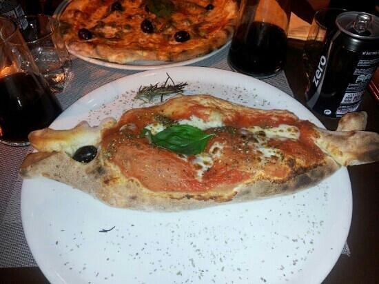 Gusto Italia: calzone en forme de poisson