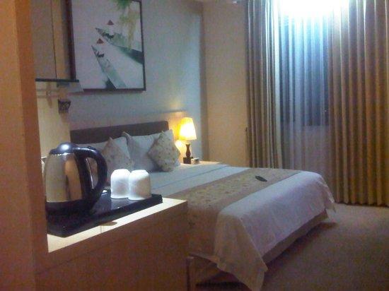 Grand Serela Setiabudhi: my room.......