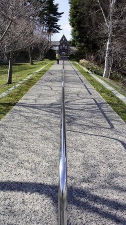 Torapisto Shudoin Baiten: 修道院へ行く坂道。