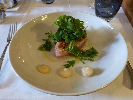 Bistrot L'Aubergine: Gorgeous rare thon (tuna)