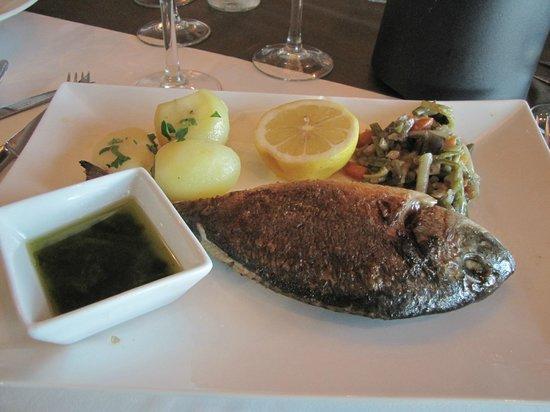 Restaurante El Muelle: Sea Bream