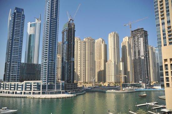 Promenade Walk Picture Of Dubai Marina Mall Dubai
