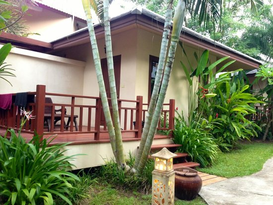 Promtsuk Buri: Chambre de l'hôtel