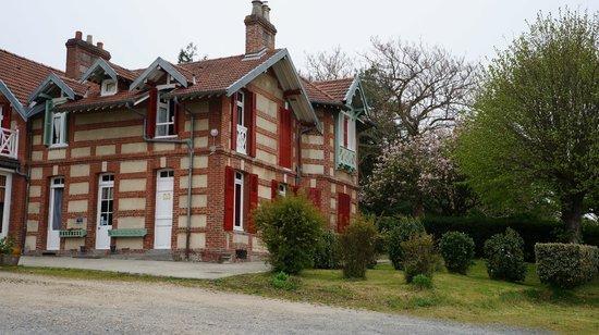 La Villa des Rosiers: La belle maison