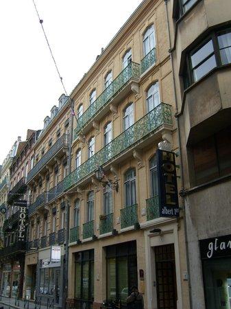 Hotel Albert 1er: Aüßenansicht des Hotels - ruhig in einer Seitenstrasse gelegen