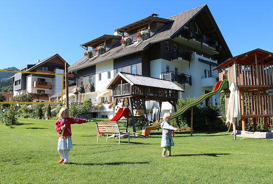 Seehaus Winkler: Auch für unsere jungen Gäste gibt es viele Möglichkeiten. Vom Fußballplatz, Volleyballplatz bis