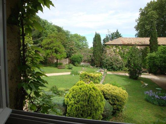 Domaine de Lamartine : Vue de la fenêtre du gîte