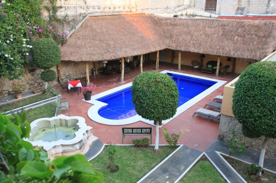 Hotel Casa Lucia: The Pool by day