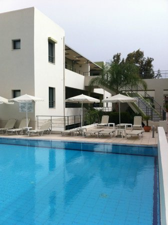 Athina Beach Hotel: esterno