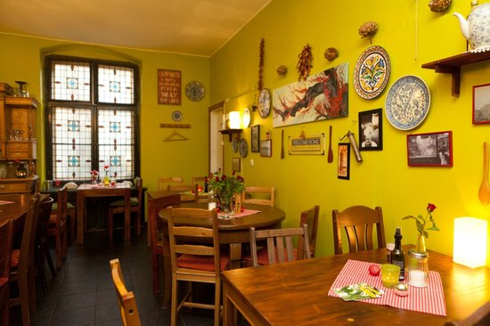 Salut Mediterranean Food: Seating area and decor
