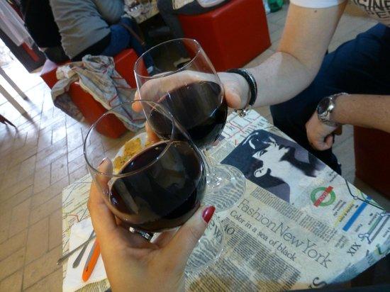 Cantiere in Progress: cin cin con buonissimo vino rosso