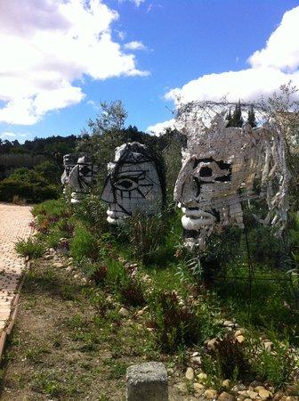 Le Mas des Figues: Philippe's art at the entrance