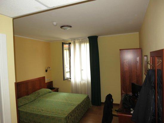 Hotel Brixellum: La stanza ampia