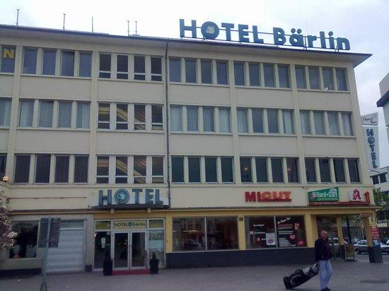 Hotel Baerlin: Eingangsansicht Hotel Bärlin