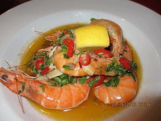 Doyle's Seafood Restaurant: gambas (large prawns) at Doyle's