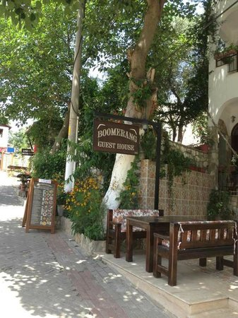 Boomerang Garden Restaurant Ephesus: 01 May 2013