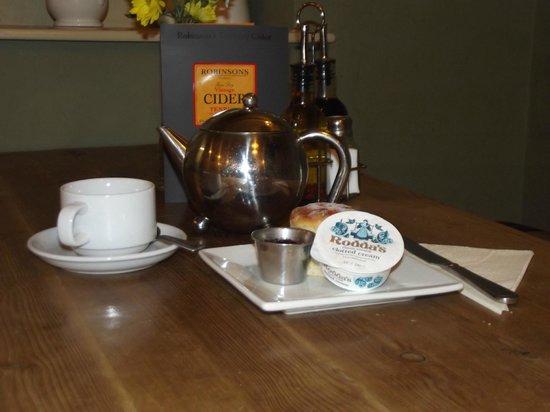 Aragons Restaurant: Cream Teas