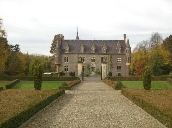 Kasteel TerWorm: View of rear from gardens