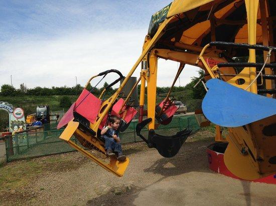 Diggerland: Spinning Buckets