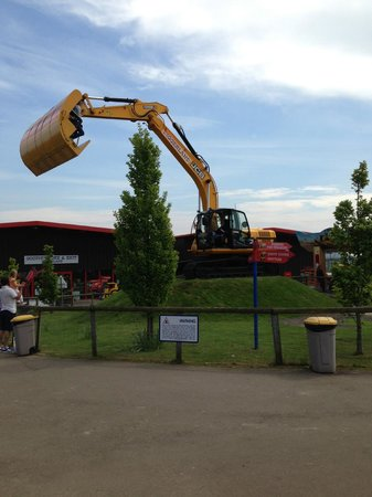 Diggerland: Big Swing Bucket
