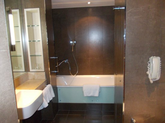 Norton House Hotel & Spa Edinburgh: Bathroom