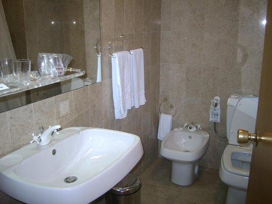Hotel Meia-Lua: baño
