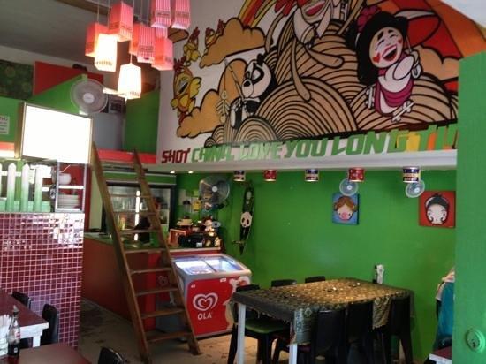 Mooki Noodle Bar : inside