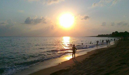 Mati - Bouka Beach: Sunset in Mati beach