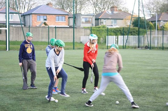 Experience Gaelic Games : students caught in the game