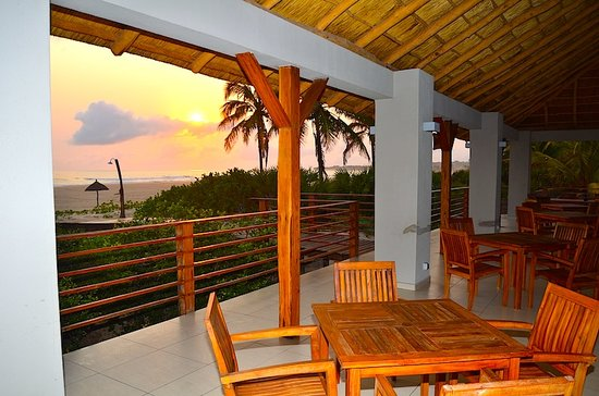 Barra Beach Club: Sunset at Agua de Coco - Our Beach Bar