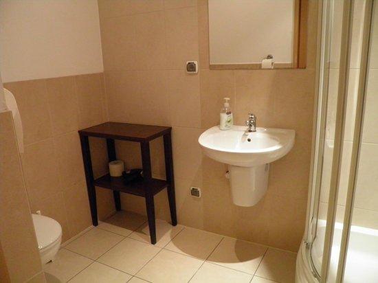 Krakow City Apartments: Salle de bains