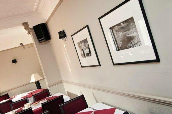 Caldecott Hotel: restaurant area