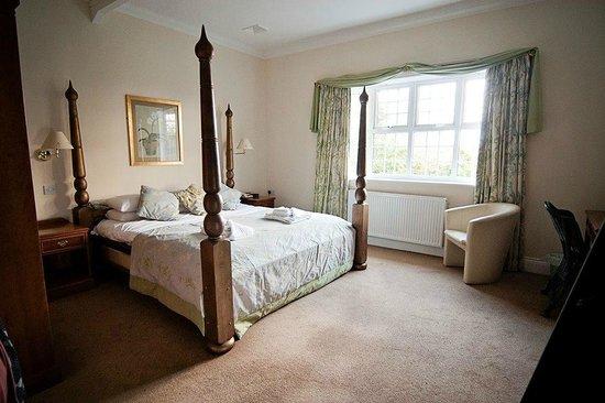 Caldecott Hotel: bridal suite
